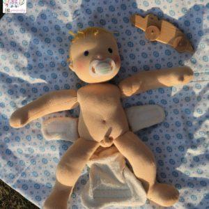 Ručně šitá panenka, batolátko, naháč s pindíkem, kluk na dece. ekopanenky, panenky s duší