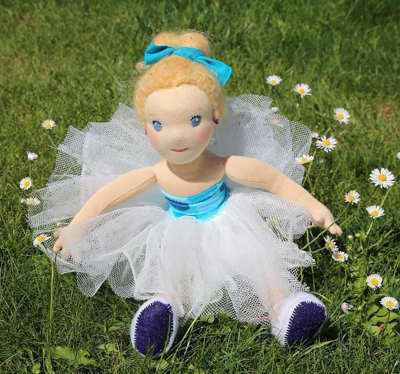 baletka, ručně šitá panenka z přírodních materiálů, ekopanenky, panenky s duší