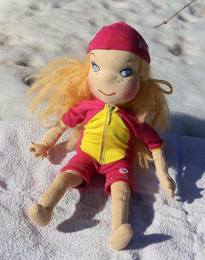Plavlína, Ekopanenky, ručně šitá panenka na sněhu