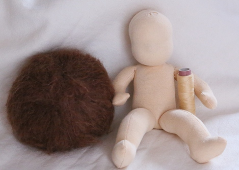 jak ušít panenku