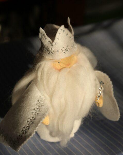 Zimní král, panenka ročních období.