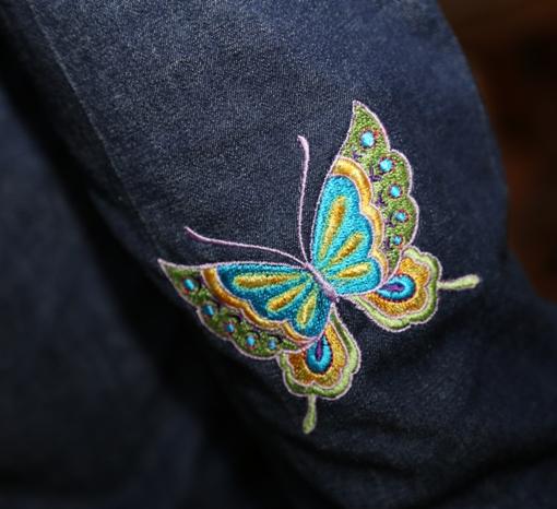 Kalhoty s motýlky - detail motýla