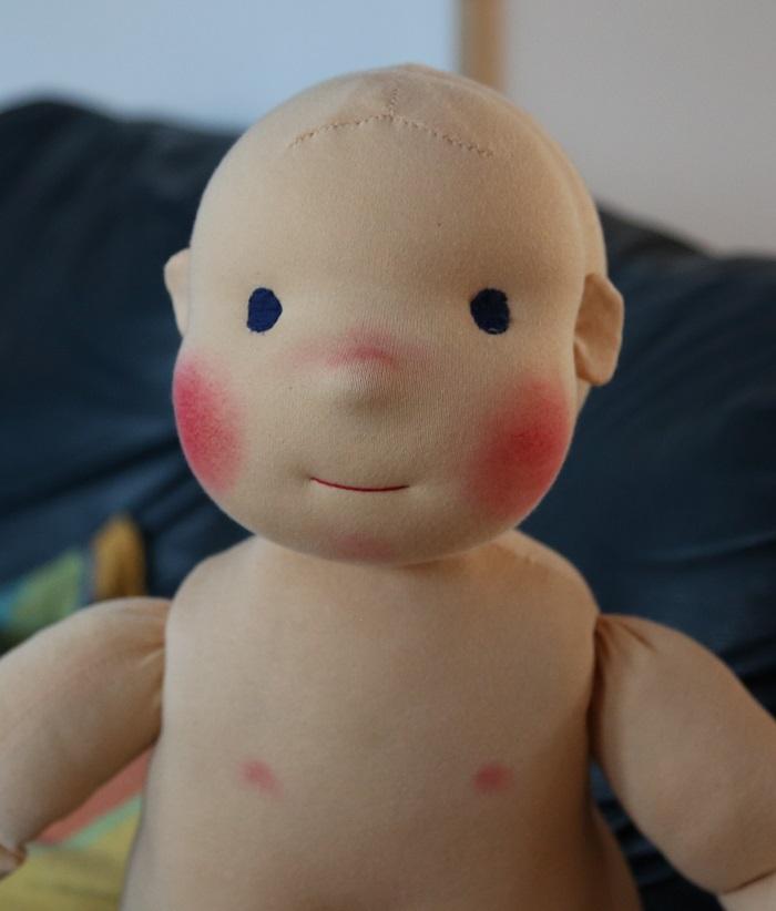 detail obličeje demontrační figuríny