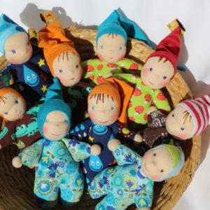 Skřítci mazlinky v ošatce, ručně šité panenky pro nejmenší