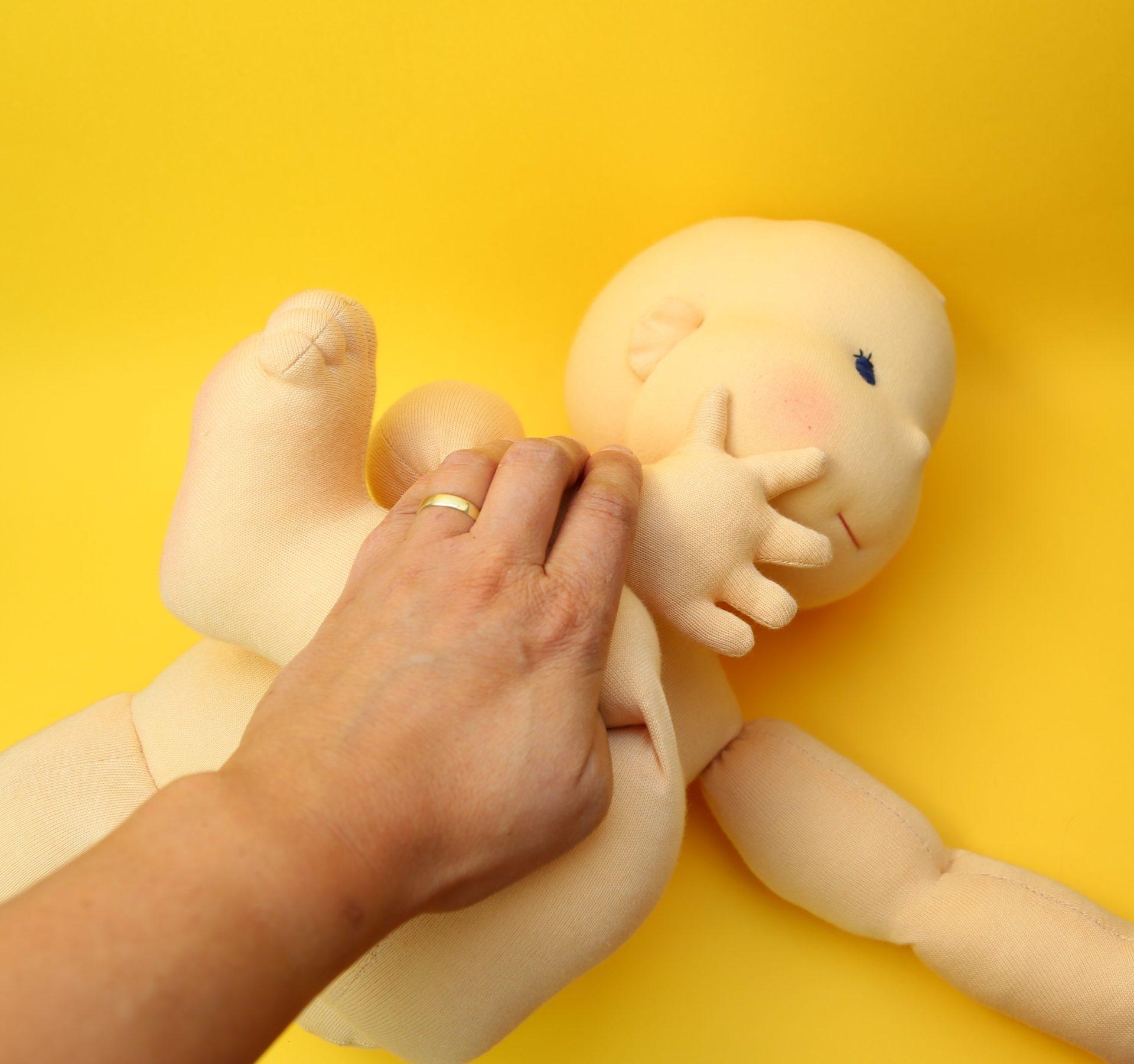 demo-panenka cvičí