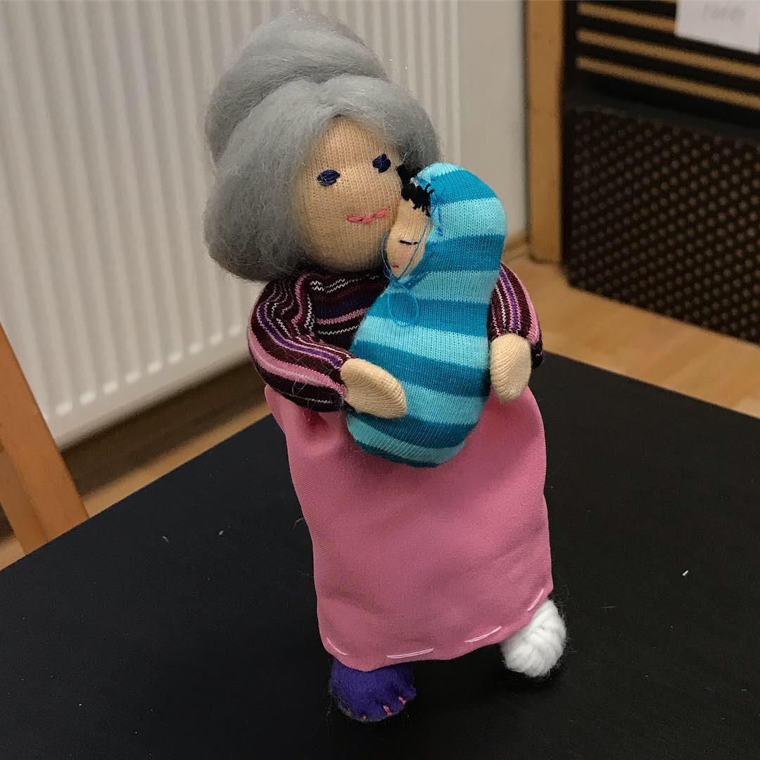 Babička, waldorfská panenka, ohebná panenka, domečková panenka, Kurz šití domečkových panenek