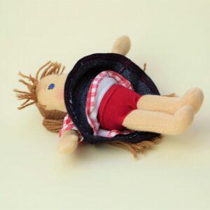 waldorfská panenka má i kalhotky, pidipanenka a džínová sukně, ekopanenky, ručně šitá panenka na zakázku, ekopanenky.cz, panenky s duší