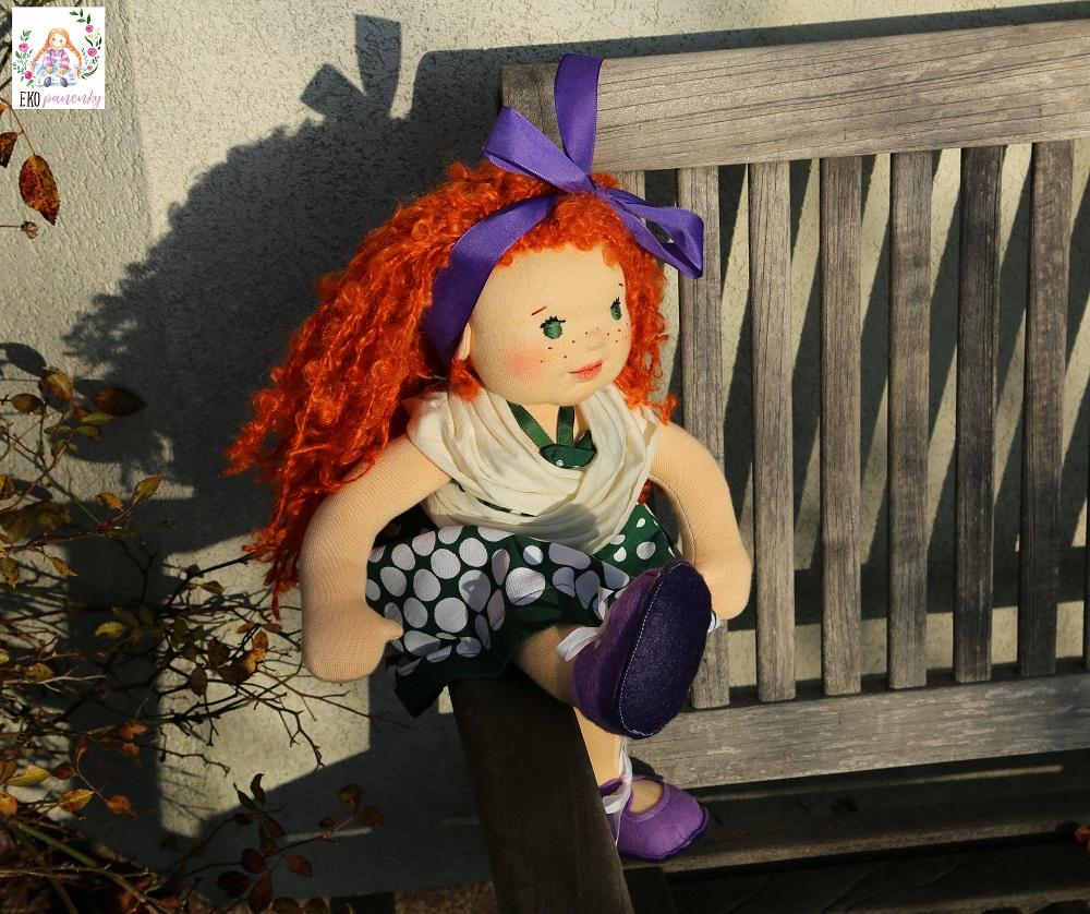zrzava rebelka, ručně šitá panenka z přírodních materiálů, ekopanenky