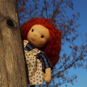 látkové oblékací panenky