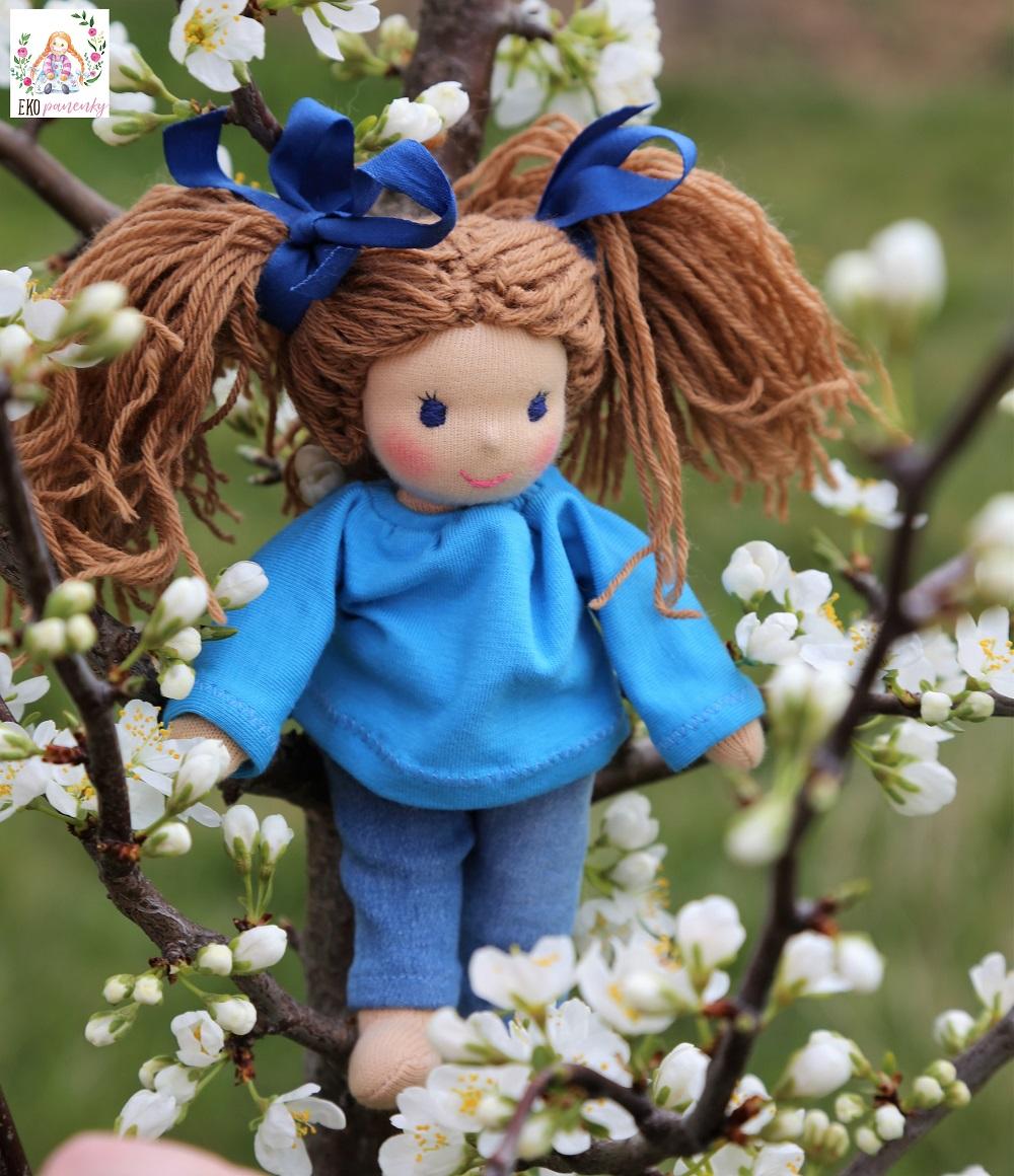 látková panenka, ručně šitá panenka s česacími vlásky, waldorfská panenka ,ekopanenky, Tereza Jarošová