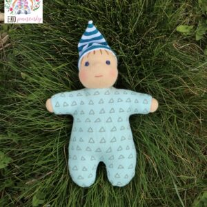 Skřítek v modrém, látková panenka, ručně šitá panenka, waldorfská panenka, biobavlna, vlna, ekopanenky, panenky s duší