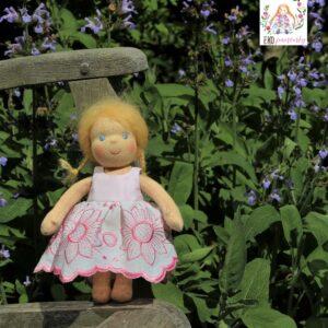 sladká panenka, ručně šitá waldorfská panenka,ekopanenky