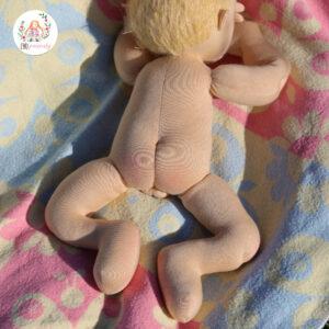 Miminko blonďáček, látkový kluk, látková hadrová panenka, ručně šitá, plněná ovčí vlnou, ekopanenky, panenky s duší, Tereza Jarošová