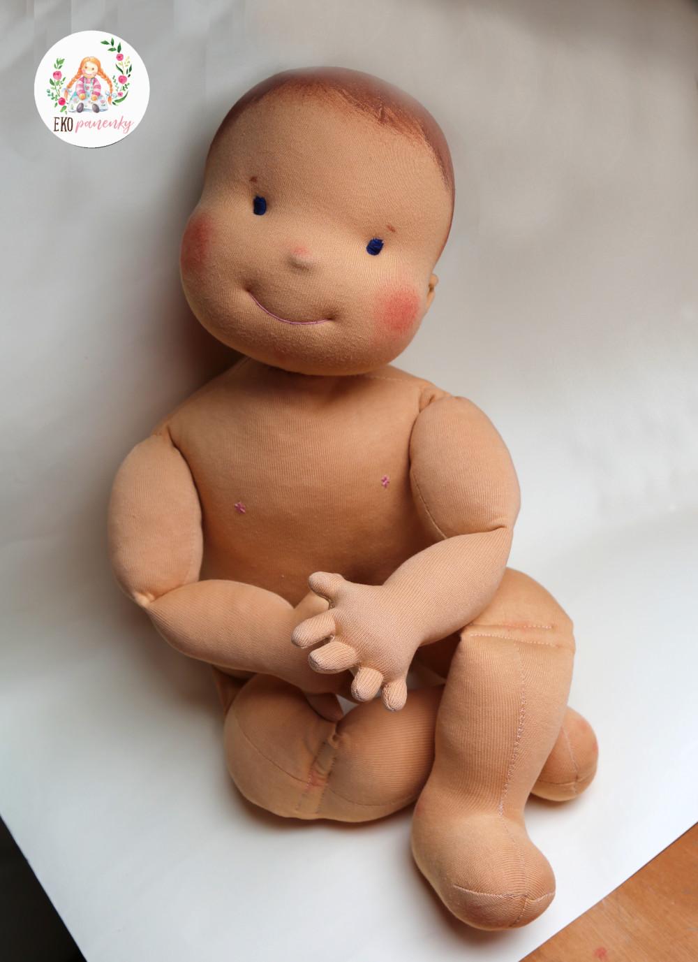Statečná fyziopanenka, ručně šitá panenka pro fyzioterapeuty, 60 cm, ekopanenky.cz