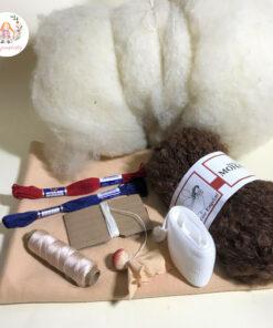 sada materiálu na panenku, vše co potřebujete k ušití vaší první panenky