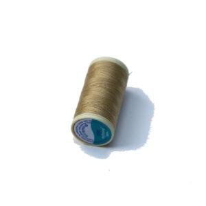 Nylbond světlá béž - pevná nit na šití panenek